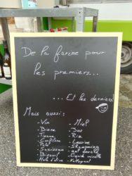 La r'biolle épicerie vous attend devant la mairie tous les vendredis de 16h à 19h